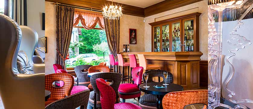 Hotel Le Cottage,Talloires, Lake Annecy, France - Bar.jpg